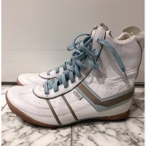 💥3 for $20💥 Pony Lace Up Sneaker